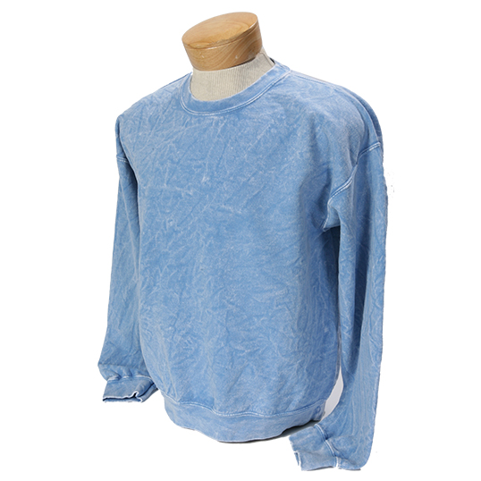 30450SW Saltwater Wash Crew Sweatshirt - Model Image